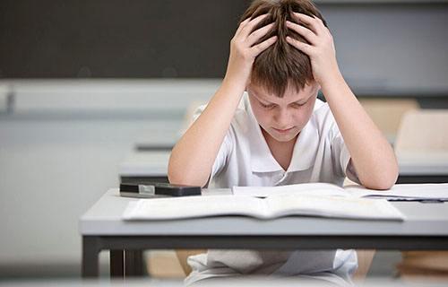 孩子抑郁不想上学怎么办